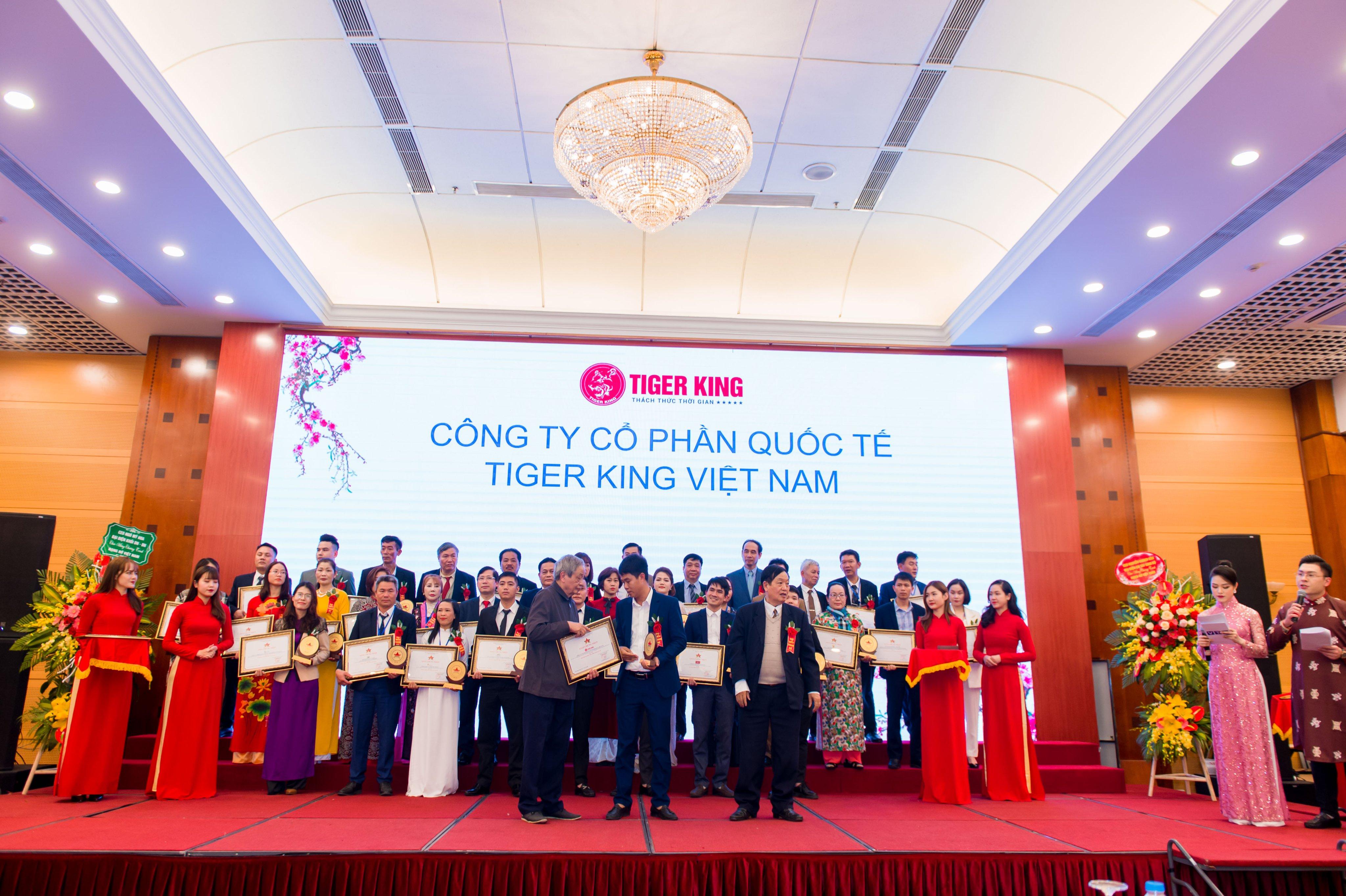 TOP 100 DOANH NGHIỆP TIÊU BIỂU TOÀN QUỐC